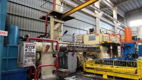 铝型材挤压机 3000T