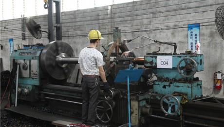 安阳鑫盛jrs直播直播厂—机台型号CW61125B—卧式车床—加工范围:直径1250x3000
